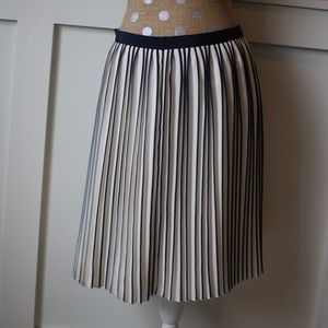 J crew blue and white pleated skirt